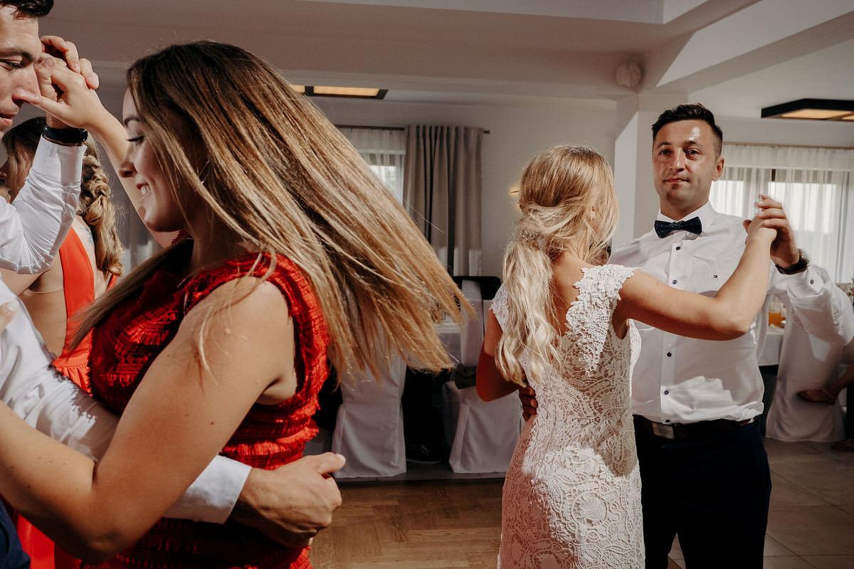 Kasia & Bartek wesele restauracja Wiwenda 39