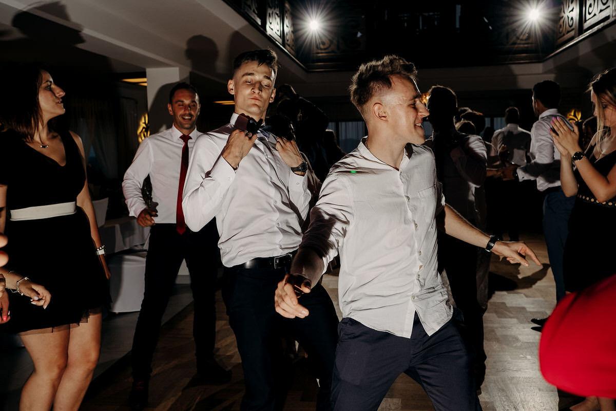 Kasia & Bartek wesele restauracja Wiwenda 43