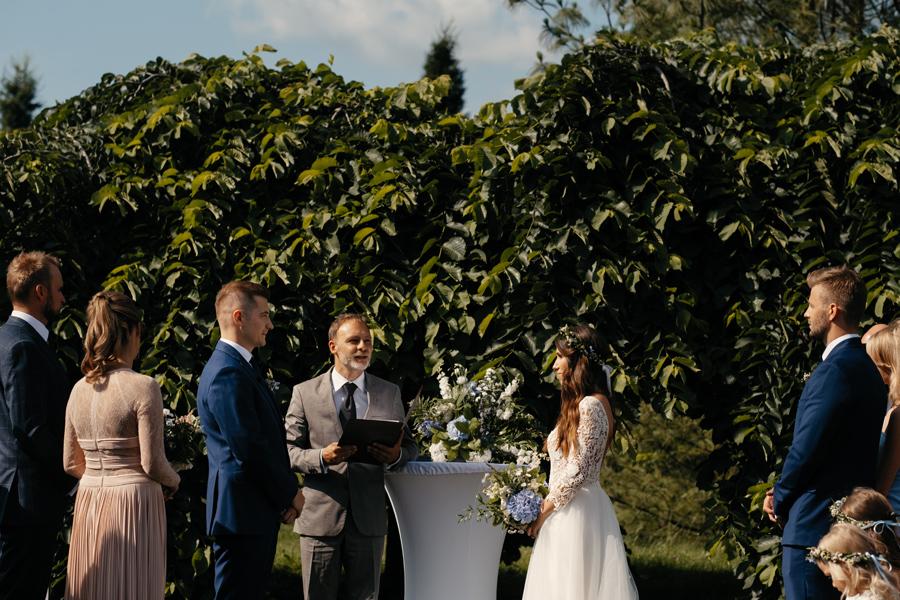 Brzoskwinia ogród wesele slow wedding plenerowe Dawid Poznański